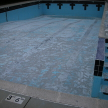 picture of swimming pool berore epoxy painting